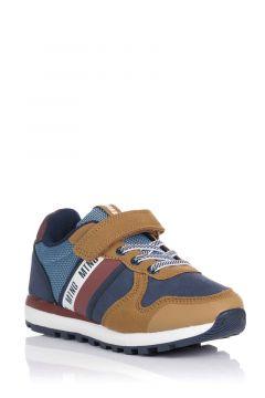 Sneaker Casty con velcro